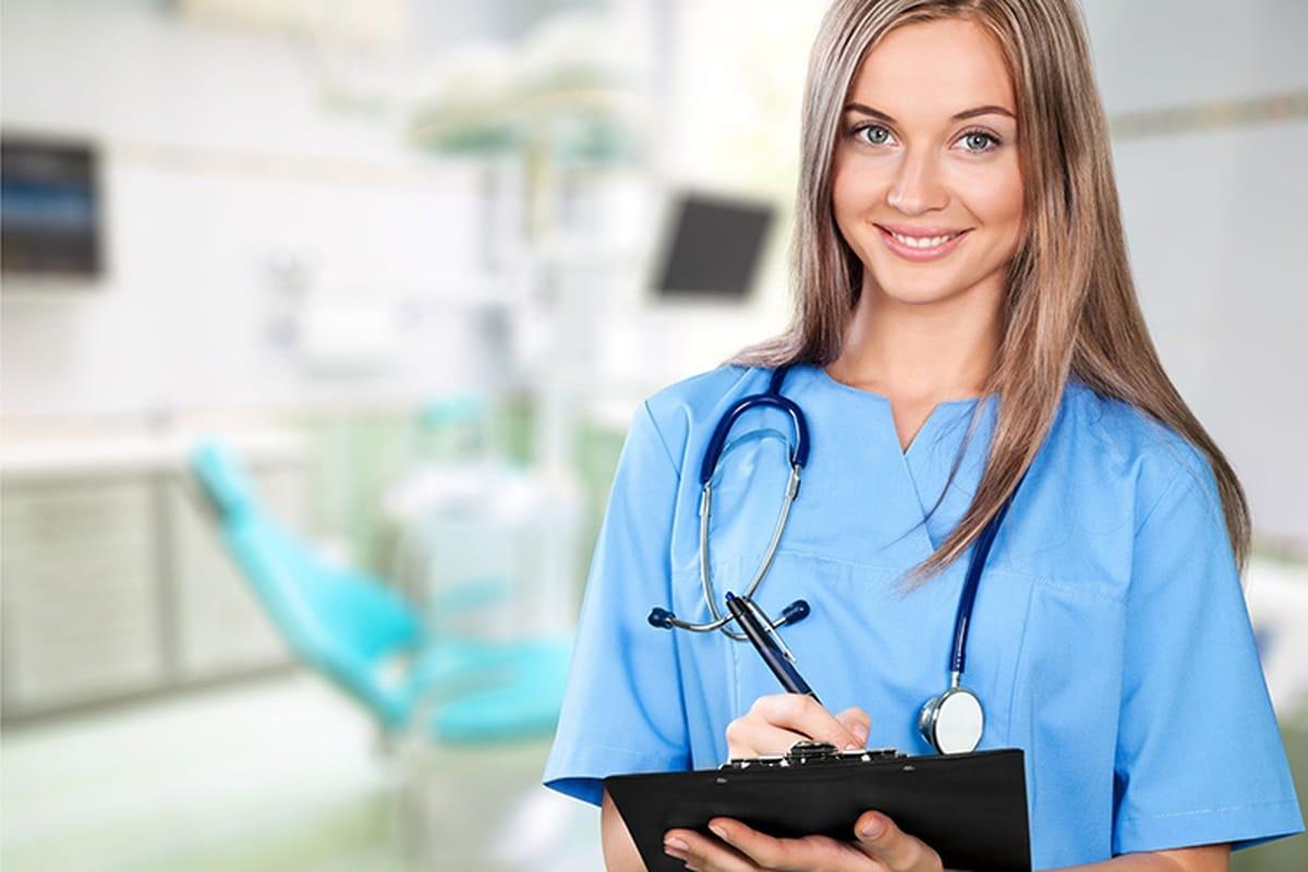 Should I Be A Nurse? What Do Nurses Do?