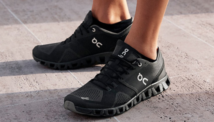 on-running-shoes-black